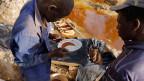Goldschürfer in Ghana.