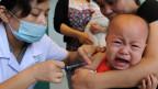 Über Jahre erhielten chinesische Kinder Impfungen, die keine Wirkung hatten. Symbolbild.
