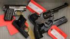 Massaker um Massaker. Endlich wird ein schärferes Waffengesetz gefordert.