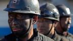 China will den Kohleabbau zurückfahren. 1,5 Millionen Kohlearbeiter würden die Stelle verlieren.
