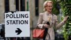 Die Wahllokale sind noch bis 22 Uhr Ortszeit geöffnet.