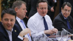 Der britische Premierminister David Cameron (2. rechts) an einem Treffen mit Regierungschefs der Europäischen Union während eines EU-Gipfels in Brüssel.