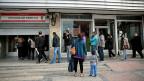 Regierungsloses Spanien: Das Land schlittert in neue wirtschaftliche Schwierigkeiten, unbequeme Entscheidungen wären nötig - aber niemand trifft sie. Bild: Arbeitslose in Madrid.