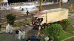 Dieser Lastwagen wurde zur tödlichen Waffe, als er absichtlich und mit grosser Geschwindigkeit in Menschen raste, die in Nizza das Feuerwerk zum 14. Juli anschauten. Im Internet ruft der IS in letzter Zeit vermehrt dazu auf, Anschläge auf Menschenansammlungen mit Geländewagen, Bussen und LKWs zu verüben.
