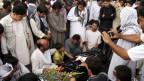 Beerdigung von Opfern des IS-Anschlags in Kabul.