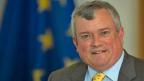 Er rede nur dann, wann er wirklich etwas zu sagen haben, sagt der abtretende EU-Botschafter Richard Johnson. Lange sei die politische Situation heikel gewesen, da habe er lieber geschwiegen – damit nicht der Eindruck entstehe, er wolle den Schweizern sagen, was sie zu tun hätten.