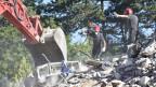 Gestern konnten die Helfer noch den Letzten lebend aus den Trümmern ziehen.
