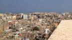 Blick von der Kreuzritterburg auf die Altstadt der Hafenstadt Tripoli.