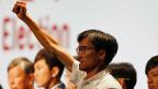 In Hongkong schlägt die Stunde der jungen Wilden:   «Wir sind die Zukunft Hongkongs!» Peking-kritische Aktivisten wie Eddie Chu-Hoi-dick (Bild) ziehen ins Parlament ein. Peking ist – not amused.