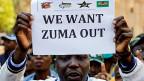 Immer mehr Südafrikaner fragen: «Ist das wirklich noch der ANC von Nelson Mandela? Ist das der ANC, für den ich gekämpft habe, den ich verehrt habe?» Viele kommen zum Schluss: «Nein, das ist nicht mehr die Organisation, auf die ich einst stolz war» und wenden sich beschämt und verärgert ab.