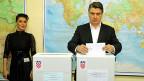 Der Sozialdemokrat Zoran Milanovic hat am Montag seinen Rücktritt als Parteipräsident bekanntgegeben.