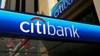 Bei Citibank brach der Aktienkurs von 55 US-Dollar auf 97 Cents ein. Trotzdem hat sich das Management mit Boni in der Höhe von 2 Milliarden US-Dollar «belohnt».
