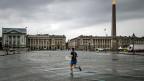 Autofreier Sonntag auf der Place de la Concorde in Paris. Bürgermeisterin Hidalgo stellt noch mehr autofreies Paris in Aussicht.
