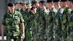 Berufsarmee-Experiment abgebrochen: In Schweden müssen schon bald wieder alle ins Militär – auch die Frauen.