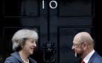 Die britische Premierministerin Theresa May trifft den EU-Parlamentspräsidenten Martin Schulz vor ihrem Amtssitz an der Downing Street Nr. 10 (am 22.9.2016)
