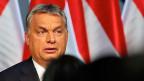 Auch wenn Orbans Nimbus der Unbesiegbarkeit in Ungarn einen Kratzer abbekommen hat: Anderswo wächst die Zahl seiner Bewunderer nach wie vor: Nämlich in Westeuropa, wo die Flüchtlinge sind.