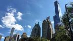 Die Hochhäuser in New York City werden höher. Rechts im Bild: «One57» – eines der superhohen Gebäude. Die alten New Yorker Wolkenkratzer waren Bürohochhäuser, die meisten der neuen Hochhäuser sind Wohnhäuser. Das ist neu.