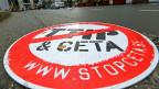 CETA ist zwar noch nicht Altpapier. Aber die Unterzeichnung des Freihandelsabkommens mit Kanada verschiebt sich.