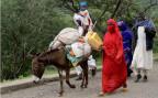 Eine eritreische Bauernfamilie auf dem Weg zum Markt in Asmara.