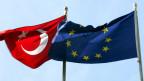 Die EU ist äusserst besorgt -  die Nato ist peinlich berührt.