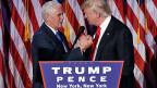 «Die Kampagne ist vorbei, unsere Bewegung steht am Anfang», sagt Sieger Donald Trump, auf dem Bild mit seinem Vize Mike Pence.