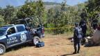 Die 32 Körper und neun Schädel seien auf einem Hügel nahe der Ortschaft Zitlala im Bundesstaat Guerrero gefunden worden.