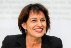 Bundesrätin Leuthard nach der gewonnen Abstimmung