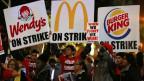 Kampf für 15 Dollar Stundenlohn: Lohn-Proteste in der Innenstadt von San Diego, Kalifornien.