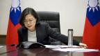Taiwans Präsidentin Tsai-Ingweng am Telefon mit dem designierten US-Präsidenten Donald Trump.