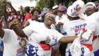 Anhängerinnen und Anhänger des neuen Präsidenten Nana Akufo-Addo feiern ihren Wahlsieg.