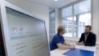 Stellensuchende in Branchen mit hoher Arbeitslosigkeit können bald auf mehr Angebote hoffen.