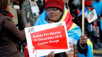 Dagegen, dass der kongolesische Präsident das Ablaufen seiner Amtszeit einfach ignoriert, wird nicht nur in Kongo selbst protestiert; auch die grosse kongolesische Gemeinde in Belgien demonstriert – etwa im Zentrum Brüssels mit Plakaten auf denen steht: «Kabila Fin Mandat 19 Décembre 2016 – Carton Rouge».