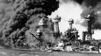 Der japanische Angriff auf  die US-Pazifikflotte in Pearl Harbor am 7. Dezember 1941.