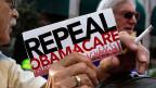 Das sei wie mit Zement, meint ein Republikaner: Wenn man ihn nicht bewege, werde er nicht hart. Die Republikaner hätten «Obamacare» nie in Ruhe gelassen, so habe man alle Flexibilität erhalten.