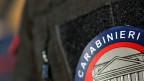 Italienischen Polizisten wird regelmässig vorgeworfen, Verdächtige zu schlagen oder zu demütigen. Am G8-Gipfel 2001 in Genua forderte die Polizeigewalt einen Toten und hunderte Verletzte. Die Täter wurden nie oder nur milde bestraft, weshalb einige Opfer den Fall bis vor den Gerichtshof für Menschenrechte in Strassburg weiterzogen und Recht bekamen.