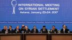 Die Ausgangslage für das Treffen in Astana war aussergewöhnlich. Erstmals hatte nicht die UNO die Federführung; sie war lediglich als Beobachterin geduldet. Ebenso die USA, die EU und Saudiarabien. Den Ton gaben diesmal Russland, die Türkei und der Iran an.