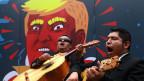 Zwölf Milliarden Dollar für den Mauerbau. Proteste in Mexiko City.