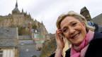 Marine Le Pen, am 27. Februar vor der Kulisse des Mont Saint Michel.