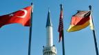 Obwohl die Anhänger Erdogans und Gülens in fast nichts mehr übereinstimmen, mangelnde Integration der Türken in Deutschland sehen beide.