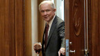 Von Seiten der Republikaner erhält US-Justizminister Jeff Sessions zwar noch Unterstützung, einige Kongressabgeordnete haben ihn aber aufgefordert, sich aus Untersuchungen – etwa des FBI – zu Russland-Verbindungen herauszuhalten.