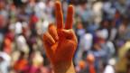Die Anhänger der BJP feiern ihren Wahlsieg in Uttar Pradesh.