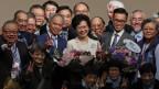 Carrie Lam (Mitte) ist die neue Regierungschefin von Hongkong.
