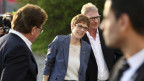 Die CDU-Ministerpräsidentin im Saarland, Annegret Kramp-Karrenbauer, freut sich über das deutliche Wahlergebnis.