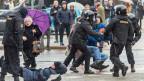 Bei Demonstrationen in Weissrussland sind am Samstag zahlreiche Menschen festgenommen worden.