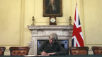 Theresa May unterschreibt offiziell das Austrittsgesuch aus der EU