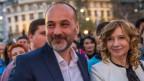 Präsidentschaftskandidat Sascha Jankovic mit seiner Frau Slavica bei den Vorwahlen in Belgrad.