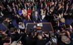 Neil Gorsuch umringt von Journalisten bei der Anhörung vor dem Justizkommitee des US-Senats.