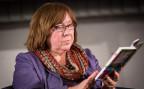 Die Literaturnobelpreisträgerin Swetlana Alexijewitsch aus Weissrussland bei einer Lesung in Hamburg.