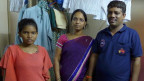 Die Familie von Pronab Raja Ram Boga lebt seit über 30 Jahren in Dharawi. Eine vergleichbar kleine  Wohnung ohne Fenster kostet ausserhalb des Slums 10 mal mehr.