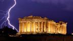 Gewitter über der Akropolis in Athen.